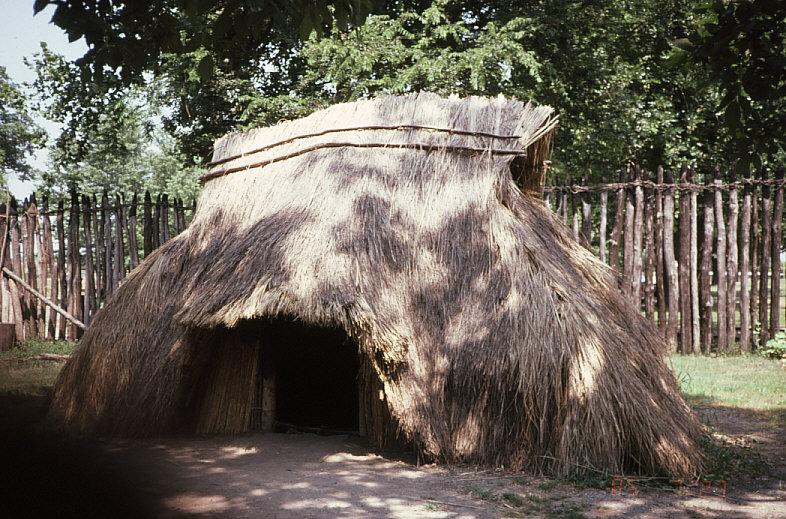 カホキア・マウンドの復元住居1