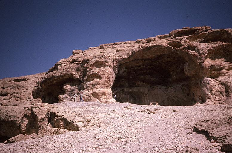 ドゥアラ洞窟近景2