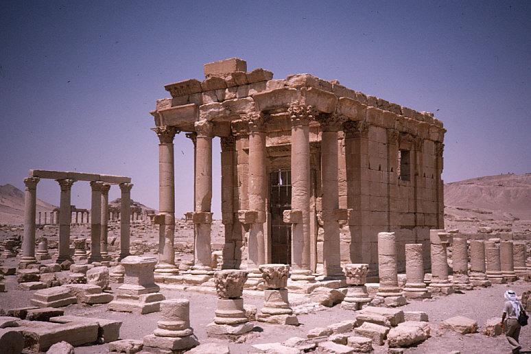 バール・シャミン神殿