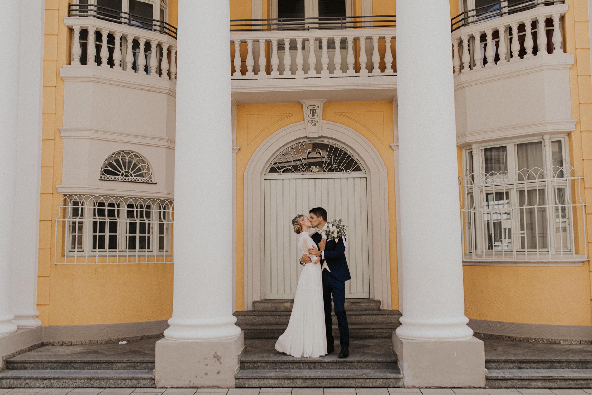 Standesamtliche Hochzeit in der Mandlstraße in München