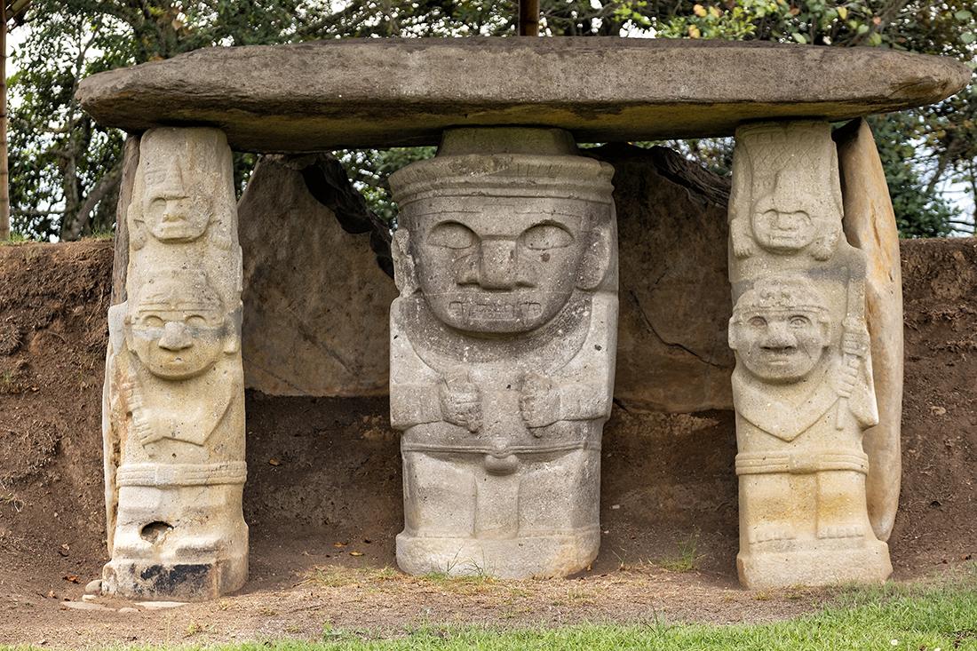 Tempelwächtern im Archiologischen Park von San Agustin