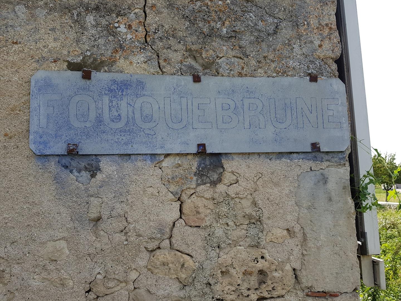 Ancien panneau Fouquebrune
