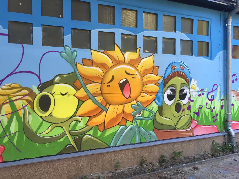 Graffiti kindergarten berlin graffiti k nstler fassade - Wandmalerei berlin ...