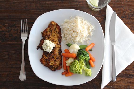 gegrillte Pute mit gemischtem Gemüse und Reis