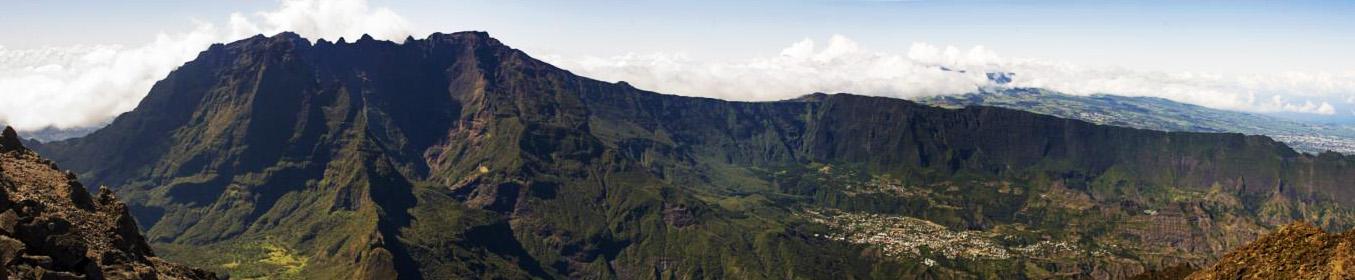 Cilaos, Piton des Neiges depuis le Grand Bénare -  Ile de la Réunion - Mai 2016.