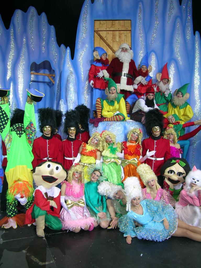 Nella grotta di Babbo Natale tutti i giocattoli