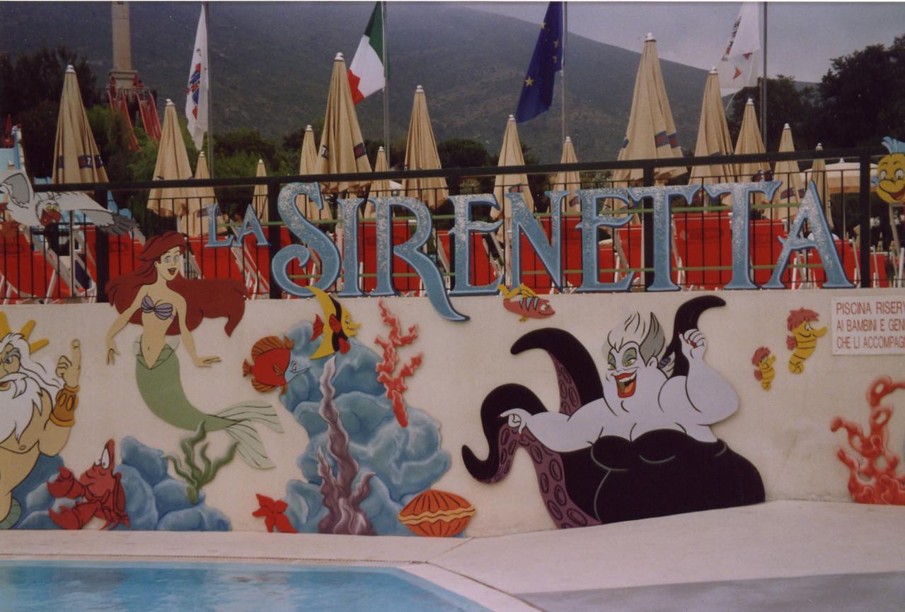 """allestimento in piscina per spettacolo """"La Sirenetta"""""""