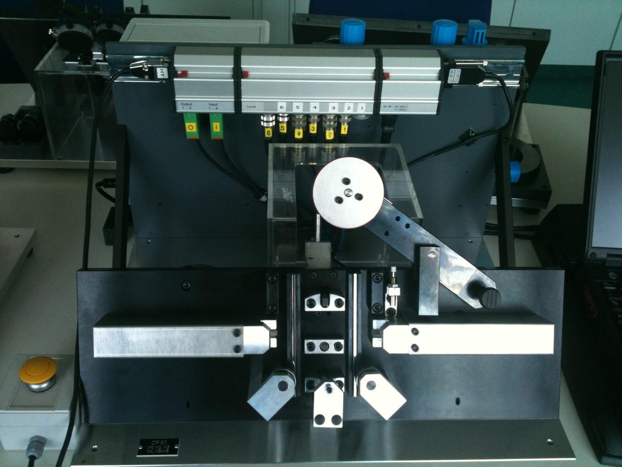 Auftischmessvorrichtung mit elektrischem Antrieb und Induktivtastern