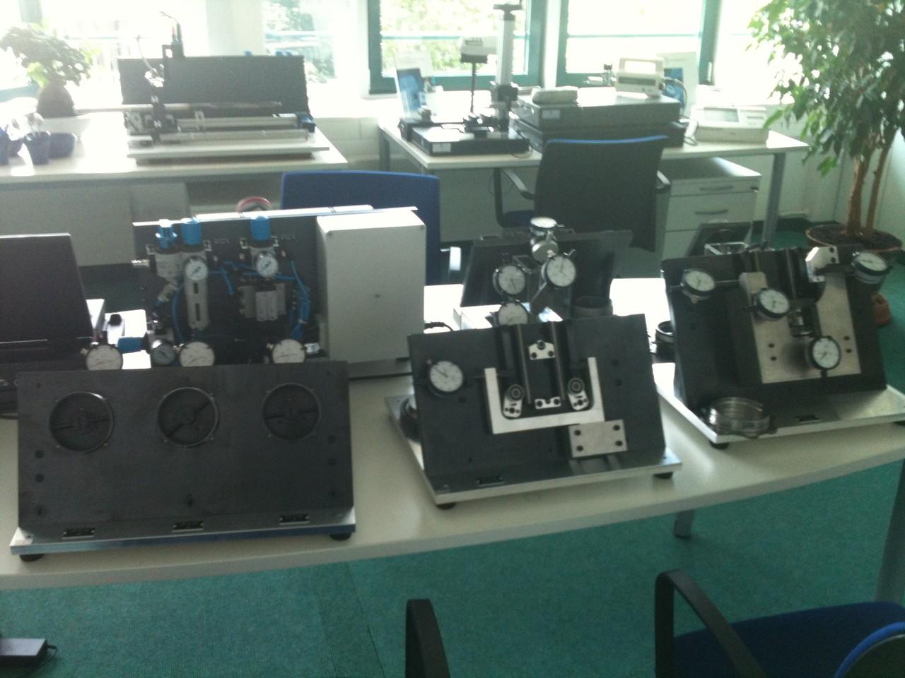 Auftischmessvorrichtungen mit mechanischen Messuhren 1