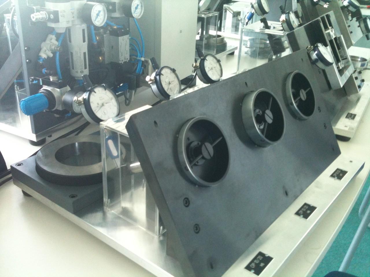 Auftischmessvorrichtungen mit mechanischen Messuhren 5