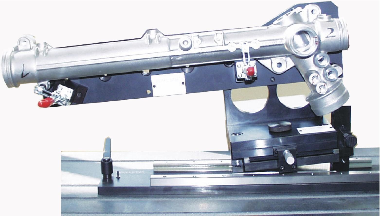 Aufnahmevorrichtung für Lenkgetriebegehäuse
