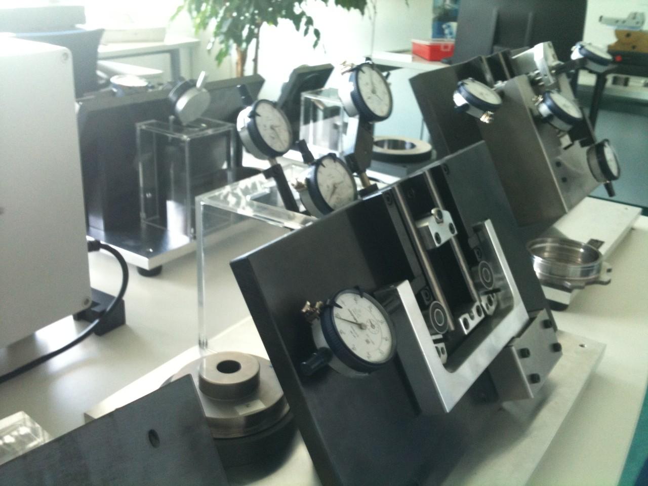 Auftischmessvorrichtungen mit mechanischen Messuhren 6