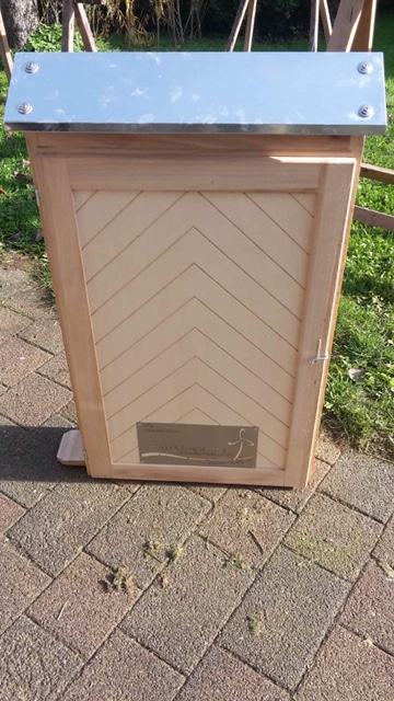 Der Bienenschaukasten für die OGS in Lichtenau und Atteln ist angeschafft und wird bald aufgestellt