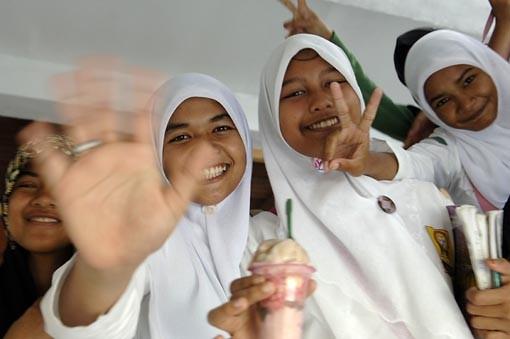 Schülerinnen in Aceh, Indonesien