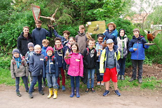 NAJU_2019-05-03_Lebendige Feldflur_Gesamtgruppe am Startpunkt der Tour; AlfredRaffius_DSC_0368_ws_k.jpg