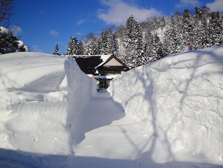 3月 雪景色古民家(岩倉)