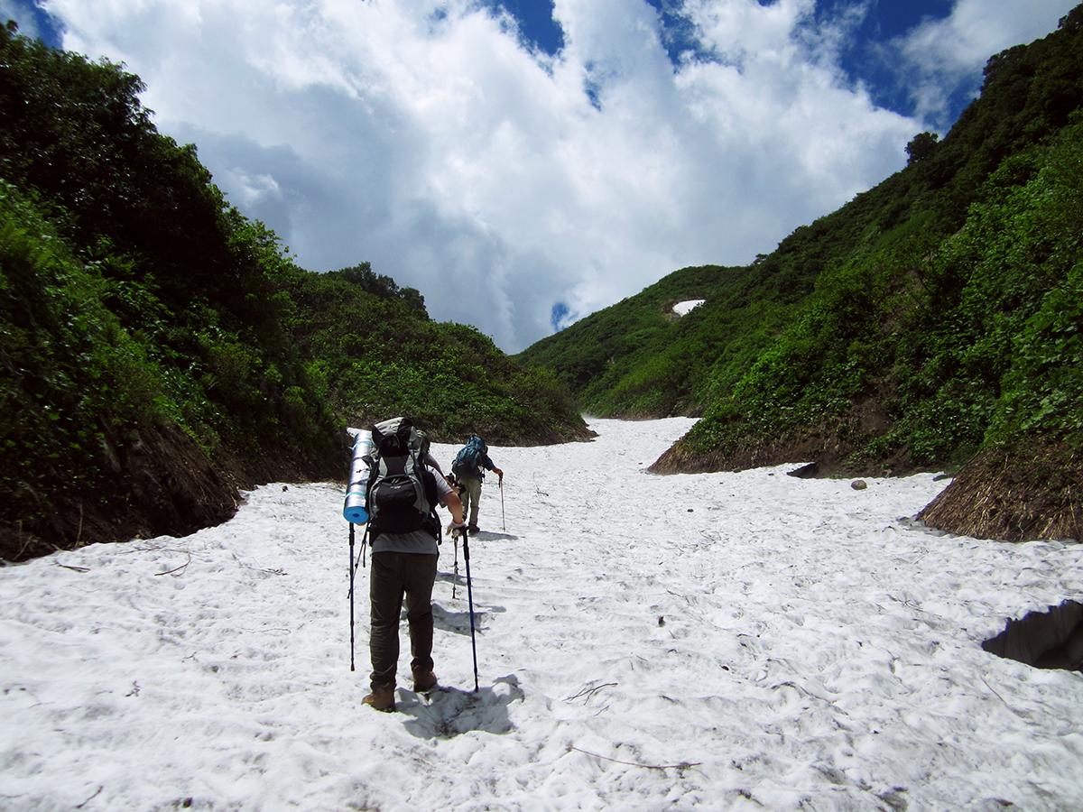 8月 残雪の飯豊山登山