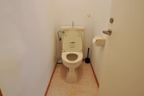 ドミンゴ桜新町2階トイレ