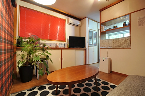 Domingo Sakurashinmachi living room