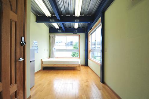 Domingo Ayase room 201