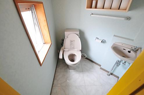 ドミンゴ綾瀬2階トイレ