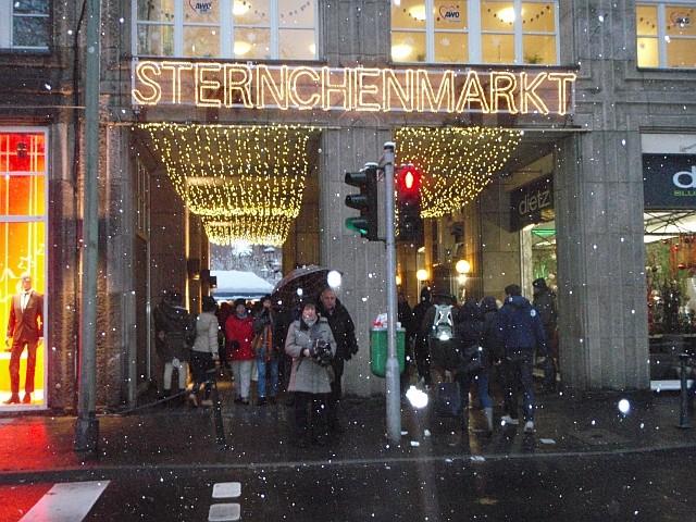 Weihnachtsmarkt  Düsseldorf  Freitag actiondates und Level Club
