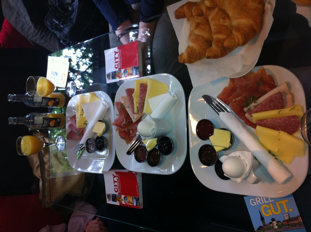 Frühstücken mit City-Schecks zum halben Preis