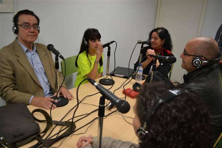 Ya que teníamos a estas ilustres personas decidimos... ¡entrevistarlas para el 2º programa!