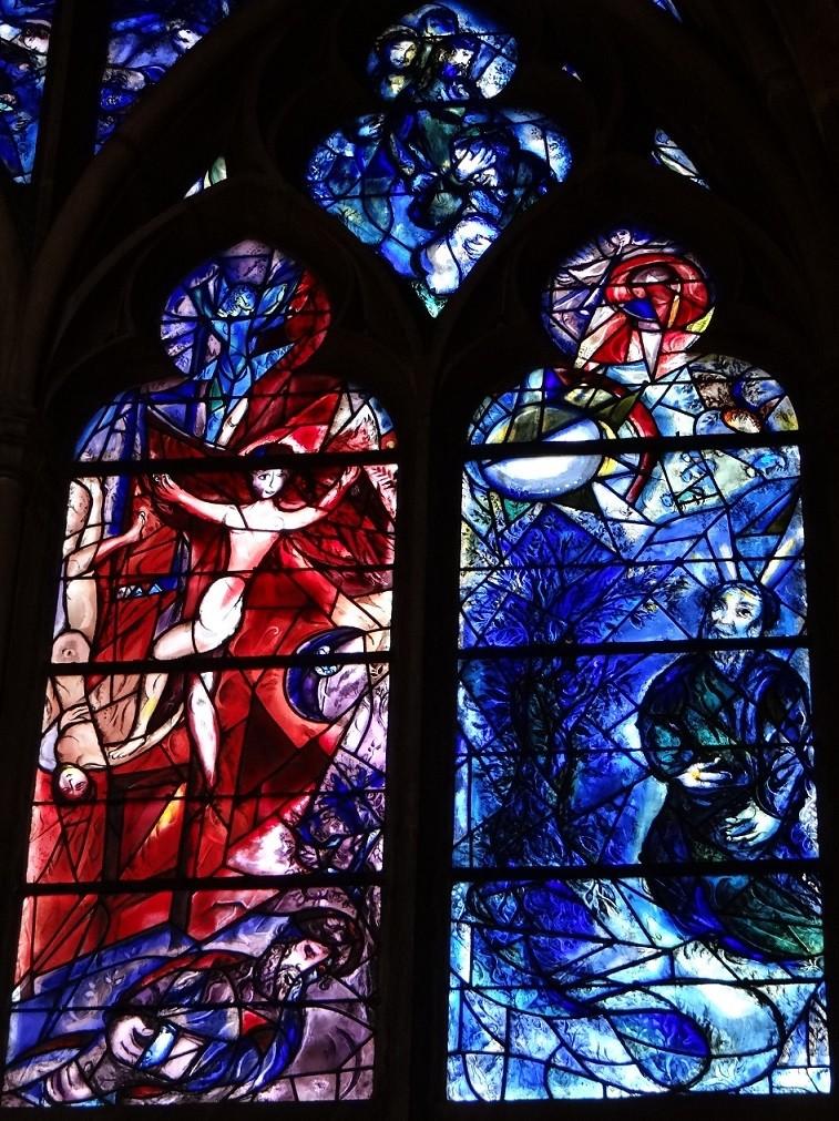 シャガール作品「ヤコブの夢」の右下部: 左「ヤコブの夢の梯子」 右「燃える柴の前のモーセ」