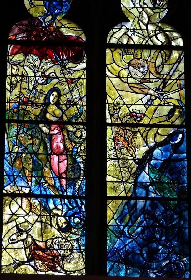シャガール作品「エデンの園」下部右: 左「蛇の誘惑」 右「楽園追放」