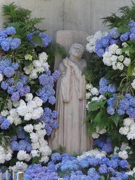 ジャンヌダルク像(屋外)
