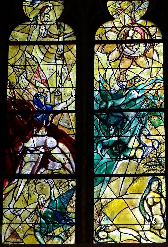 シャガール作品「エデンの園」下部左: 左「イヴの誕生」 右「禁断の果実」
