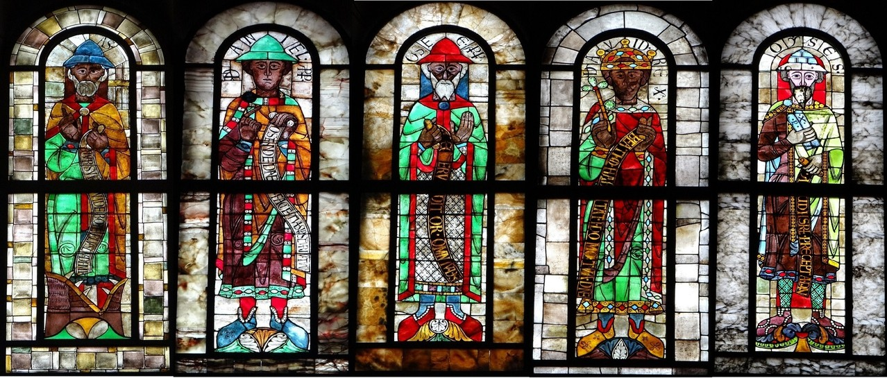 5預言者(中央の3人が12世紀の作品)