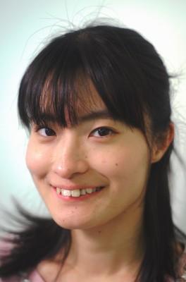 真田の補佐役で美奈の後輩 小出麻里子