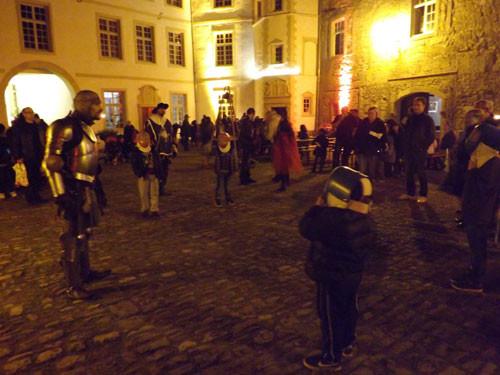 initiation à l'escrime dans la cour intérieur du château de Freistroff