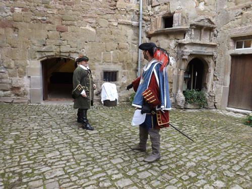 Répétition dans la cour du château Sainte-sixte