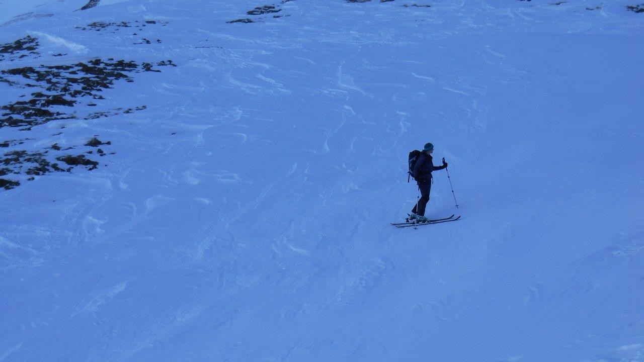 die Hoffnung auf Pulverschnee hat uns in diesen schattigen Nordhang gelockt