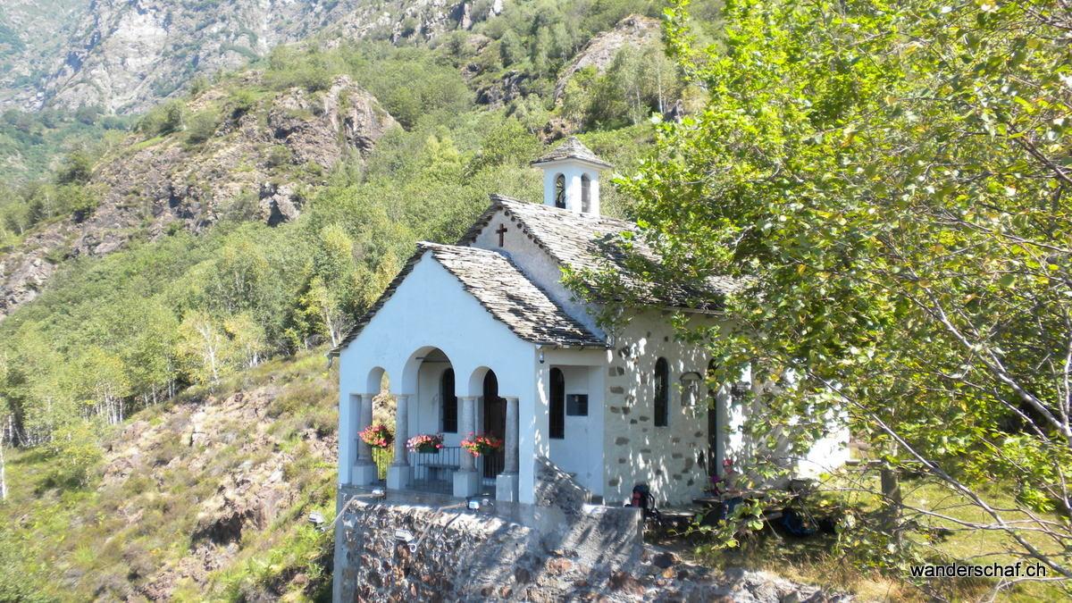 Kappelle bei der Alpe Lüt