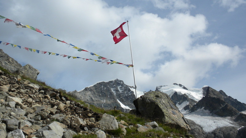 Piz Bernina mit Biancograt im Blickfeld