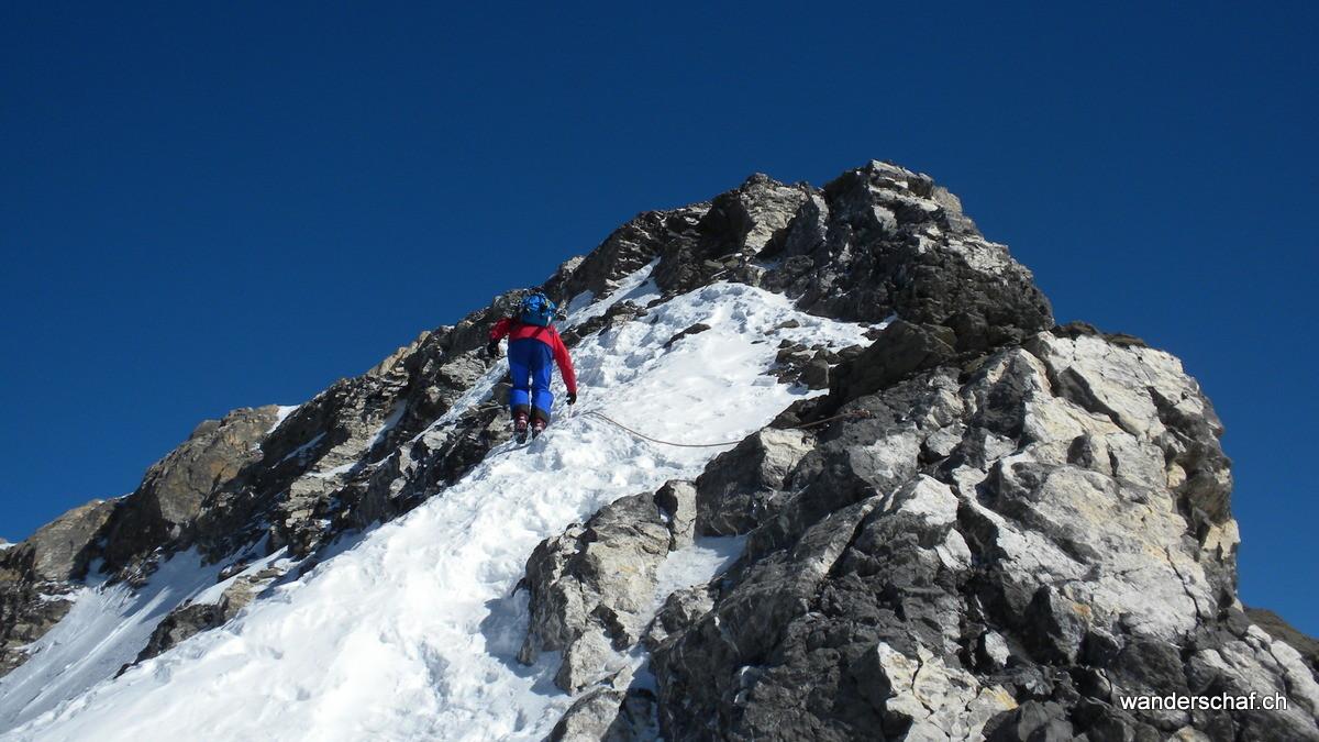 im Aufstieg ist die Schlüsselstelle am Dôme einfacher zu begehen