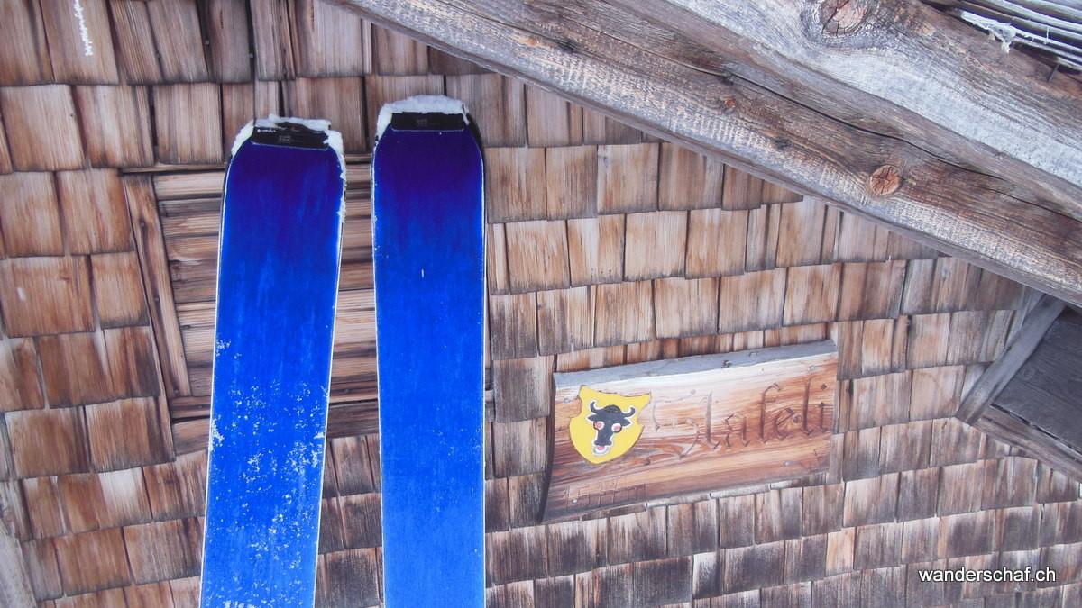 juhuiiiiii; dank GPS haben wir die Alphütten der Stäfeli Alp gefunden!