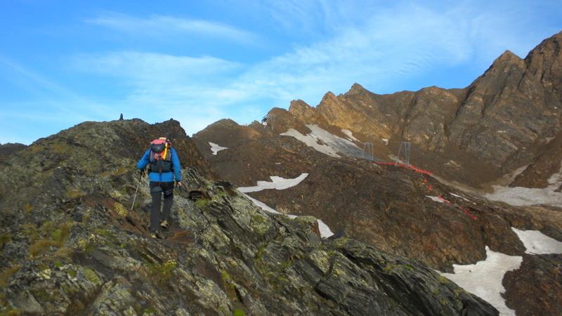 im Aufsteig Richtung Passo dei Camosci (Couloir oberhalb der 2 Skiliftmasten)