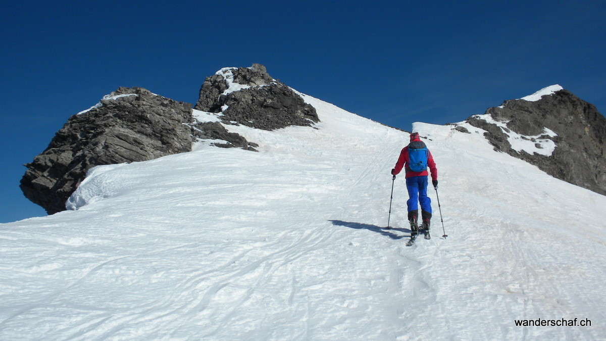 Aufstieg zur Lücke zwischen den 2 Gipfeln