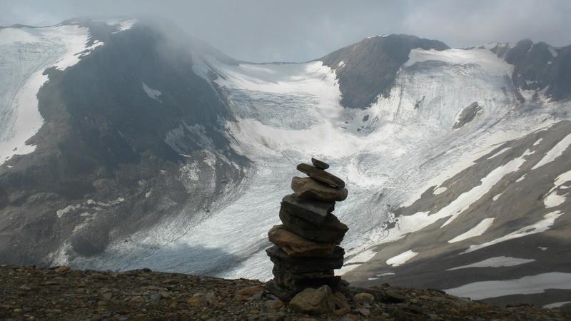Blick auf den Hohsandgletscher mit dem Mittlebärgpass