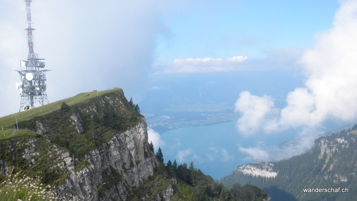 Niderhorn mit Ausblick auf den Thunersee