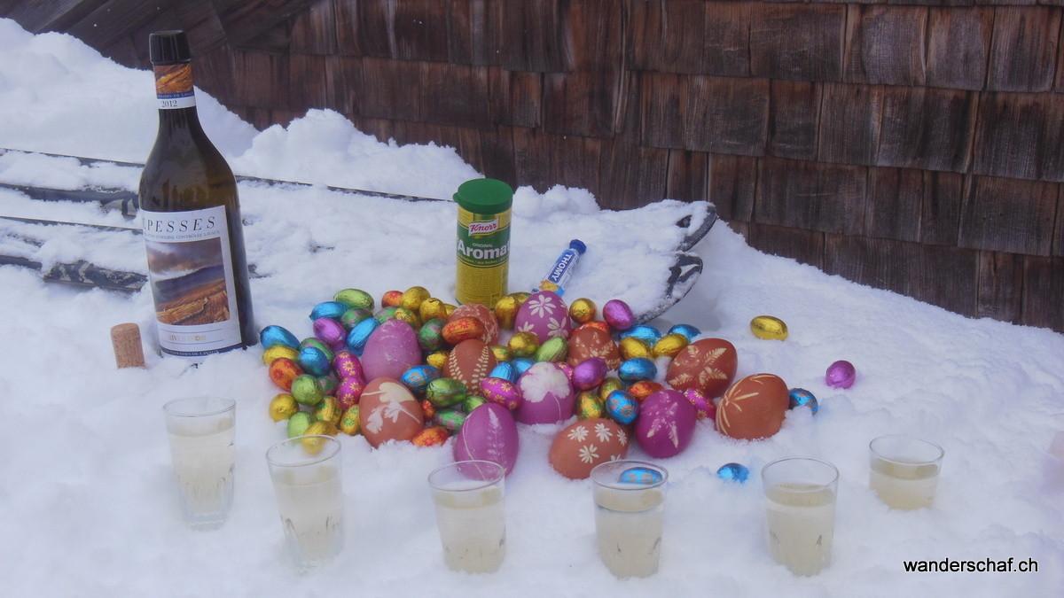 wenigstens bringen die farbenfrohen Eier etwas Abwechslung in die graue Nebelsuppe