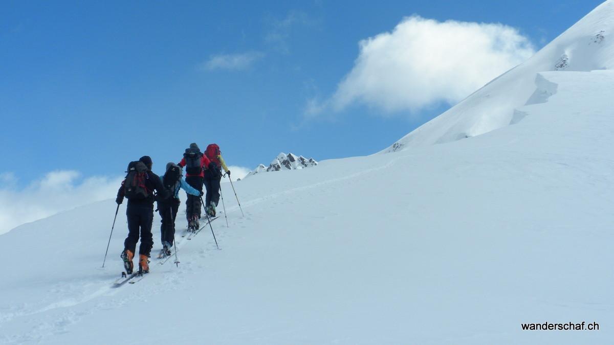 auf dem Gratrücken Richtung Gipfel vom Piz Daint