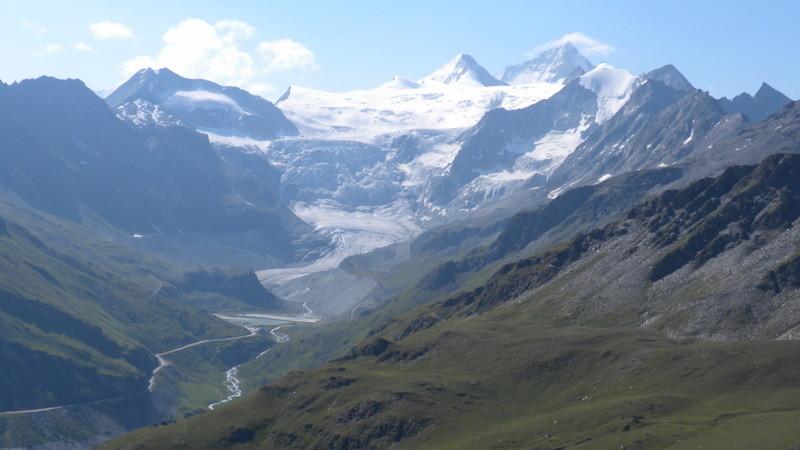 Einblick in das Gebiet von Gestern: Pigne de la Lé, Grand Cornier, Dent Blanche, Pointe de Mourti