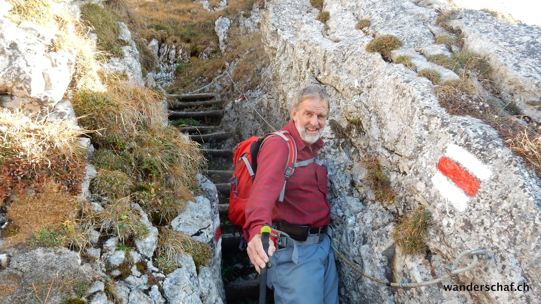 steiler, gut abgesicherter Abstieg nach Riseten