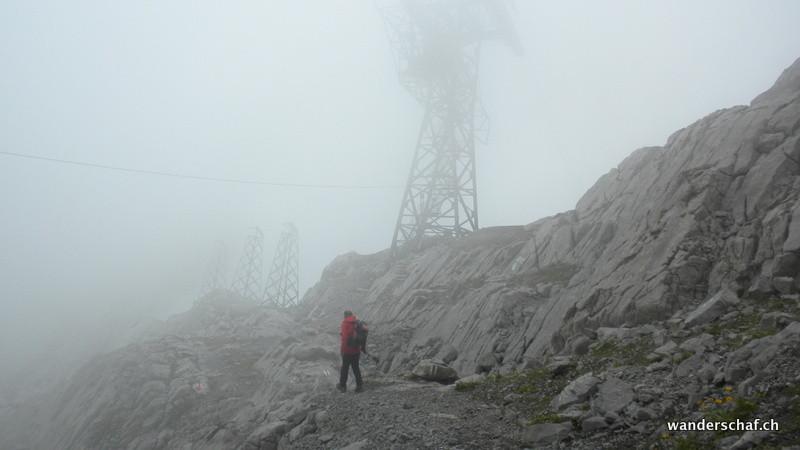 leider hat uns der Nebel seit der Ankunft auf dem Säntis wieder fest im Griff